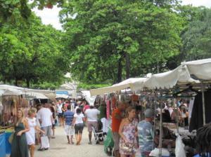 2. Hippie-market