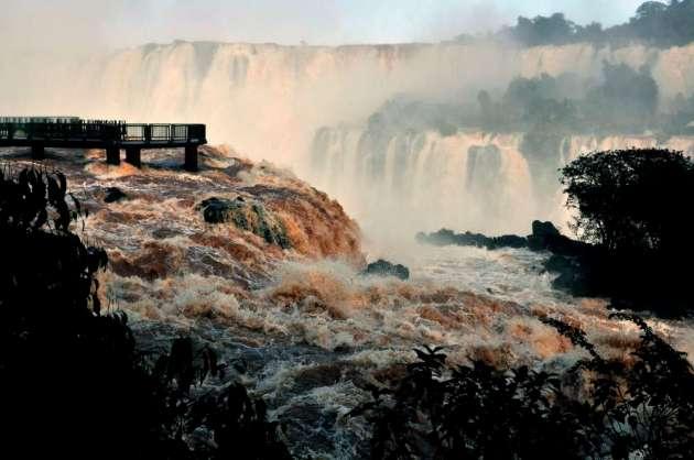 Iguaçu_piena_giugno